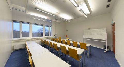 Seminarraum 208b (geteilt) Leibnizstraße 1