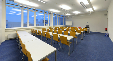 Seminarraum 209a (geteilt) Leibnizstraße 1